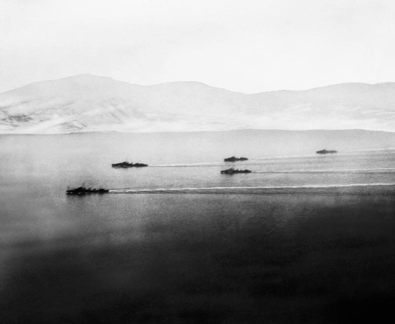 Den Britiske Flotiljen Pa Tur Inn Ofotfjorden 13 April 1940
